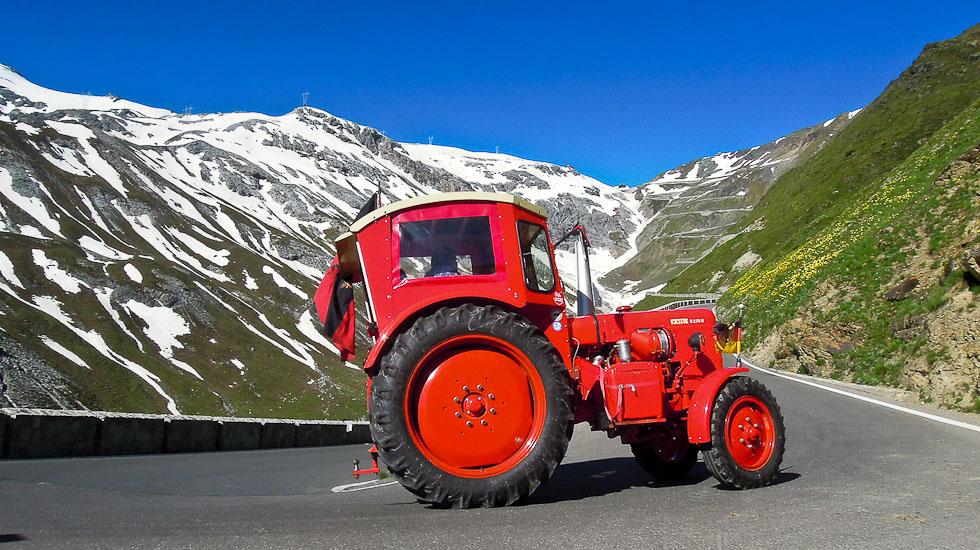 3 oldtimer traktor tour aufs stilfserjoch motorclassic. Black Bedroom Furniture Sets. Home Design Ideas